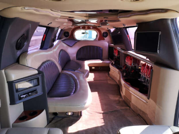 Stretch Limousine Rentals for Weddings